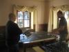 Tom und Schwarzmaler bei der Planung