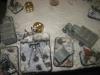 Die Russen bringen noch ein großes Geschütz am Bahndamm in Stellung
