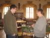 Rolin (rechts) im Gespräch mit einem Spieler vom Bolter Team